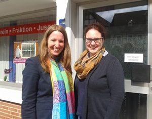 Dr. Daniela Sommer mit Kollegin Lisa Gnadl