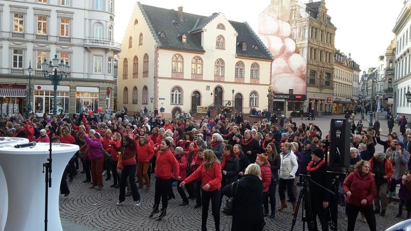 One Billion Rising 2017 mit Dr. Daniela Sommer